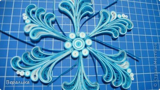 Мастер-класс Новый год Квиллинг МК снежинки-узора Бумажные полосы фото 16