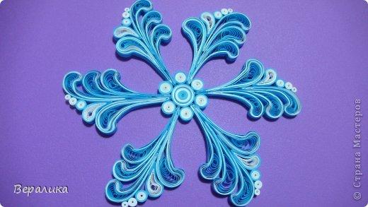 Мастер-класс Новый год Квиллинг МК снежинки-узора Бумажные полосы фото 17