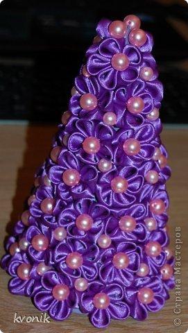 Мастер-класс Поделка изделие Новый год Цумами Канзаши МК ёлочки из атласных лент Ленты фото 18