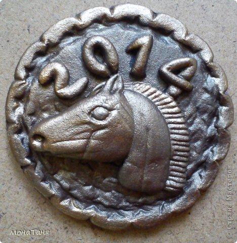 Новогодняя монета фото 1