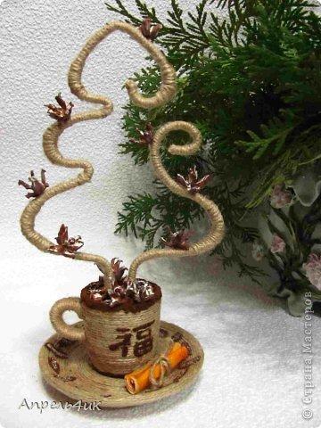 Мне очень понравились чашечки ароматного кофе marina.pr https://stranamasterov.ru/node/489035?c=favorite с ароматным дымком-елочками. В преддверии Нового года не устояла, повторила.  фото 1