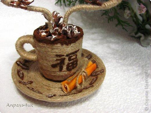 Мне очень понравились чашечки ароматного кофе marina.pr https://stranamasterov.ru/node/489035?c=favorite с ароматным дымком-елочками. В преддверии Нового года не устояла, повторила.  фото 3