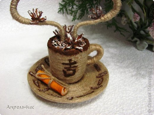 Мне очень понравились чашечки ароматного кофе marina.pr https://stranamasterov.ru/node/489035?c=favorite с ароматным дымком-елочками. В преддверии Нового года не устояла, повторила.  фото 4