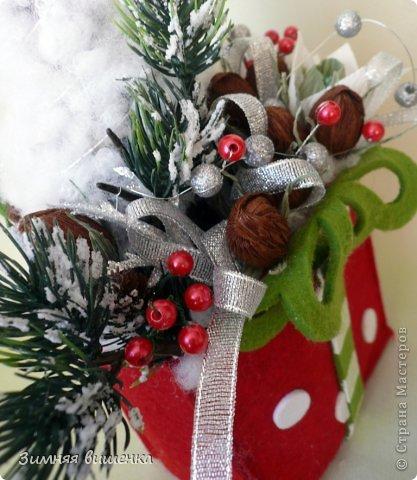 Бонсай топиарий Поделка изделие Свит-дизайн Новый год Рождество Моделирование конструирование Елочки венок новогодние композиции из конфет Бумага гофрированная фото 11
