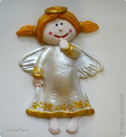 Здравствуйте!!! Предлагаю слепить застенчивую девочку - ангелочка, по фото статуэтки из интернета. Я леплю из холодного фарфора.  Холодный фарфор делаю по рецепту : 1 ст. л. соды, 1ст. л. клея для обоев, 1 ст. л. воды, перемешать, добавить немного масла Джонсон бейби или вазелинового масла и пару капель моющего для посуды. В клее должен быть модифицированный крахмал (читаем на пачке).