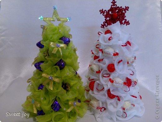 Мастер-класс Поделка изделие Новый год Бумагопластика Моделирование конструирование Елки из органзы фото 1