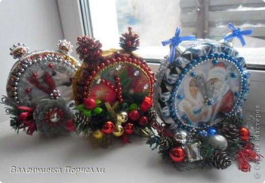 Привет Страна!!!У меня тоже Новый год)))Наконец-то....Долго я смотрела на работы девочек-будильнички-облизывалась и вот решилась.Нашла очень понятный МК.Вот ссылка    http://www.liveinternet.ru/users/natali_tiraspolskaya/post300858378