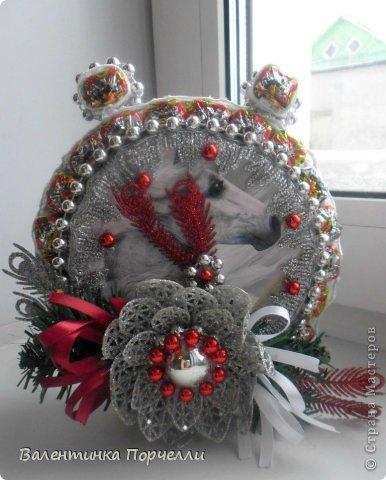 Привет Страна!!!У меня тоже Новый год)))Наконец-то....Долго я смотрела на работы девочек-будильнички-облизывалась и вот решилась.Нашла очень понятный МК.Вот ссылка    http://www.liveinternet.ru/users/natali_tiraspolskaya/post300858378 фото 5