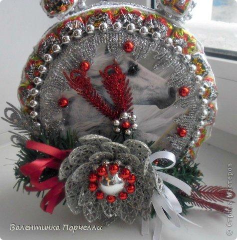 Привет Страна!!!У меня тоже Новый год)))Наконец-то....Долго я смотрела на работы девочек-будильнички-облизывалась и вот решилась.Нашла очень понятный МК.Вот ссылка    http://www.liveinternet.ru/users/natali_tiraspolskaya/post300858378 фото 6