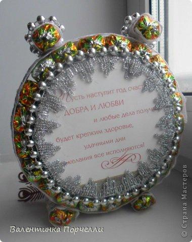 Привет Страна!!!У меня тоже Новый год)))Наконец-то....Долго я смотрела на работы девочек-будильнички-облизывалась и вот решилась.Нашла очень понятный МК.Вот ссылка    http://www.liveinternet.ru/users/natali_tiraspolskaya/post300858378 фото 8