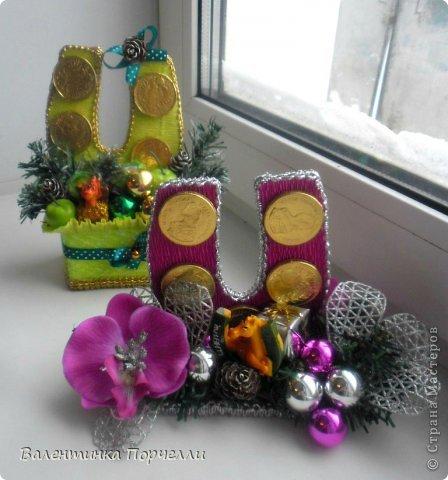 Привет Страна!!!У меня тоже Новый год)))Наконец-то....Долго я смотрела на работы девочек-будильнички-облизывалась и вот решилась.Нашла очень понятный МК.Вот ссылка    http://www.liveinternet.ru/users/natali_tiraspolskaya/post300858378 фото 14
