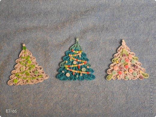 """В прошлом году я изобрела геометрию для моих ёлочек-подвесок, и они разошлись на """"ура"""" по всем друзьям-знакомым. В этом году у меня большой заказ (уже сделано больше 50-ти штук), здесь выложу лишь часть. фото 10"""