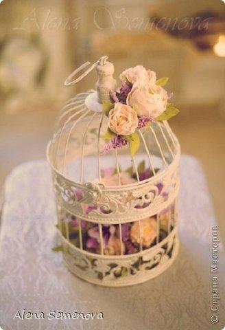 Сегодня хочу показать винтажную декоративную клетку украшенную цветами из фоамирана ( пластичной замши) фото 3