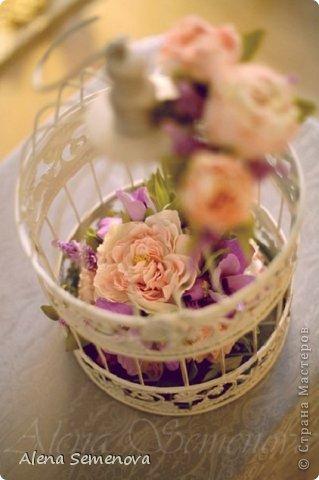 Сегодня хочу показать винтажную декоративную клетку украшенную цветами из фоамирана ( пластичной замши) фото 2