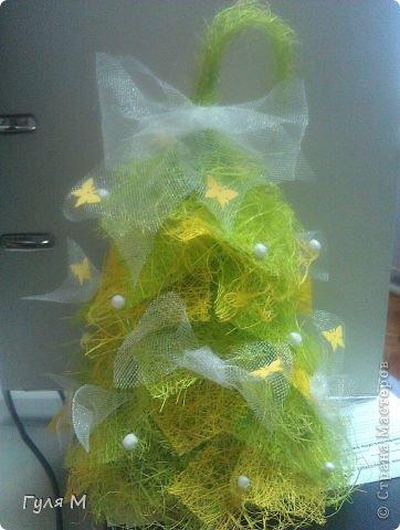 Вот такую лесную красавицу сделали из кусочков сизаля и фатина фото 2