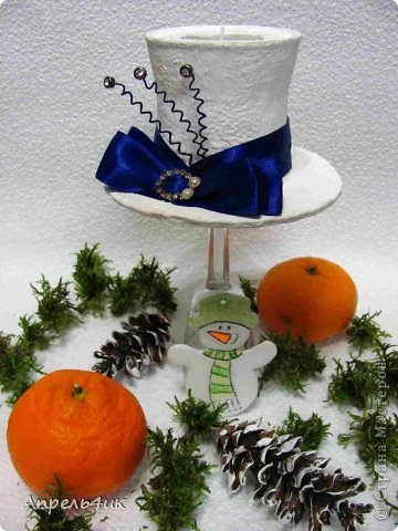 Интерьер Мастер-класс Поделка изделие Новый год Моделирование конструирование Новогодние подсвечники-шляпки Гипс Гуашь Картон Клей фото 5