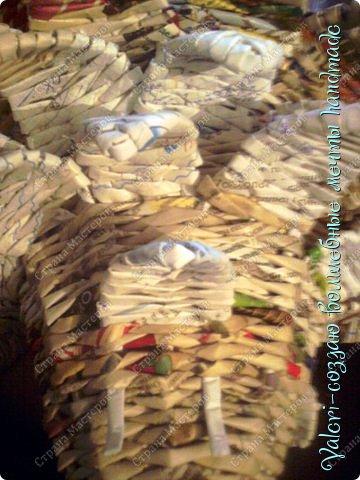 Мастер-класс Поделка изделие Новый год Плетение Ёлочка из газетных трубочек МК Бумага газетная Бусинки Бутылки пластиковые Гипс Клей Кружево Ленты Салфетки Трубочки бумажные фото 43