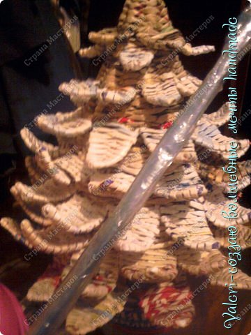 Мастер-класс Поделка изделие Новый год Плетение Ёлочка из газетных трубочек МК Бумага газетная Бусинки Бутылки пластиковые Гипс Клей Кружево Ленты Салфетки Трубочки бумажные фото 46