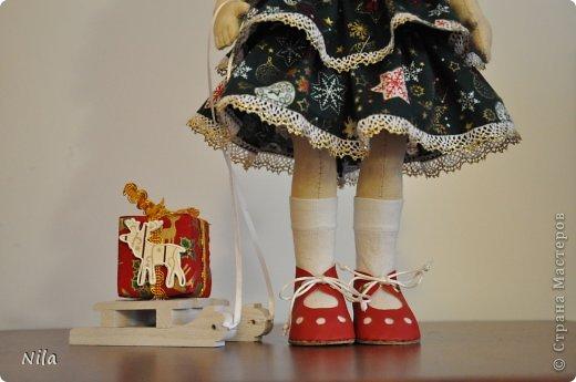 Причесалась ёлочка – К иголочке иголочка: Завтра праздник – Новый год! Ёлку в гости Город ждёт. (В. Ланцетти) фото 3