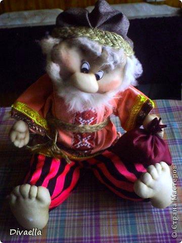 """Ещё раз спасибо Ликме за мастер классы """"Делаем куклу"""", я надеюсь я неплохая ученица. Вот такие мы получились. Домовёнок Захарчик фото 5"""