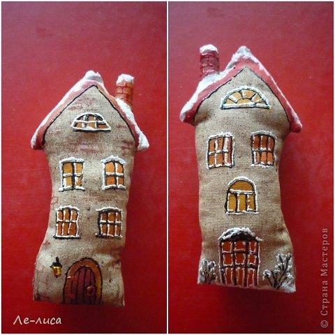 Раз я так безумно люблю средневековые домики, -подумала я, - то почему бы не сделать их в виде ароматизированных текстильных игрушек. И вот, не откладывая идею на неопределённый срок, тут же её воплотила. фото 10