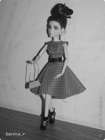 Платье шилось из какой-то убегающей ткани))), из бабушкиных запасов, может шелк))) Сначала оригинальные фото. фото 9