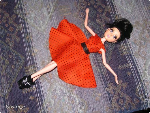 Платье шилось из какой-то убегающей ткани))), из бабушкиных запасов, может шелк))) Сначала оригинальные фото. фото 3
