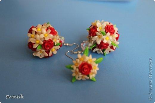 Серьги и кольцо с розами и ромашками фото 1