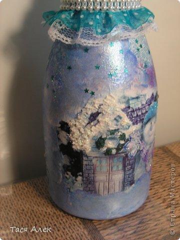 Доброго времени суток всем!!! Продолжаю тему отчета о новогодних подарках.  Этот наборчик - тарелка и бутылка были сделаны в подарок моему брату и его жене.  фото 7