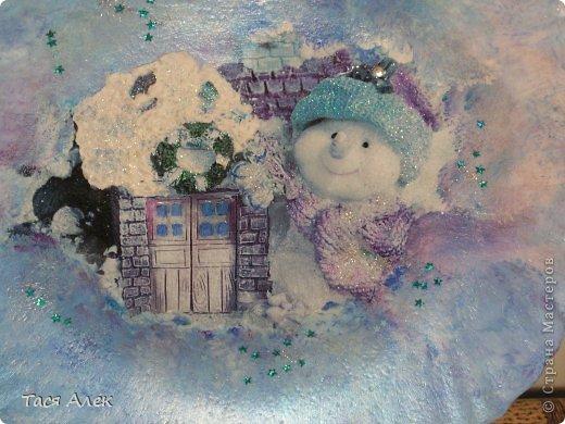 Доброго времени суток всем!!! Продолжаю тему отчета о новогодних подарках.  Этот наборчик - тарелка и бутылка были сделаны в подарок моему брату и его жене.  фото 3