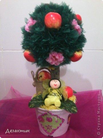 Яблочки, цветочки и пчёлка труженица. фото 1