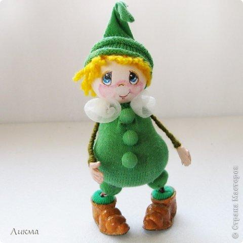 Гномик Горошинка, маленькая куколка из сказочной страны Веселая Азбука.