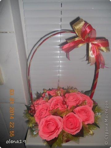 Корзина с розами к дню рождения племянницы. У нас выпал снег и грех было не воспользоваться этим.  фото 8