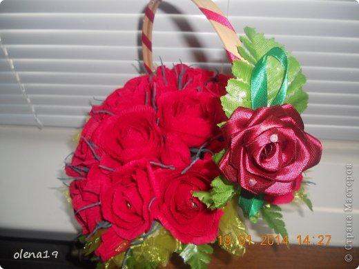 Корзина с розами к дню рождения племянницы. У нас выпал снег и грех было не воспользоваться этим.  фото 5
