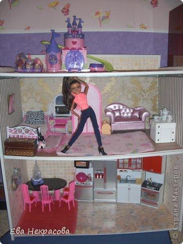 Познакомьтесь с моей куколкой! Привет! Меня зовут Аризона мне 21 год. Я очень люблю готовить! У меня есть родная сестра Бижу, я ее очень люблю! А хозяйка Бижу Злата2003 фото 2