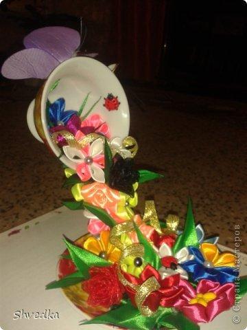 """Моя чашечка парит в воздухе! Ура! Хотелось сделать цветочки в одном стиле и цвете, но тараканы )))))) в голове и разнообразие ленточек в моей коробочке победили. Получилось """"Лето в январе"""" фото 2"""