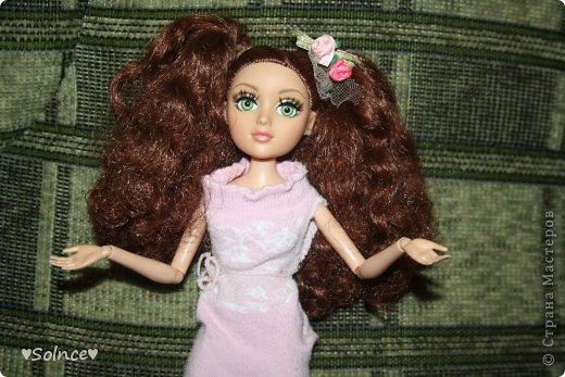 """Всем привет! Я решила создать свой первый конкурс! Он называется """"Моя любимая кукла"""". Для участия нужно взять свою любимую куклу рассказать о ней что она любит делать какой цвет ей нравится и тому подобное.Ну и сшить пару костюмов минимум 2. Работы принимаются до 30 января. Голосование 31 января. 1-ое место - 8 обработанных фото и личное поздравление моих кукляшек. 2-ое место - 6 обработанных  фото. 3-ее место - 5 обработанных фото. фото 1"""