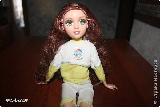 """Всем привет! Я решила создать свой первый конкурс! Он называется """"Моя любимая кукла"""". Для участия нужно взять свою любимую куклу рассказать о ней что она любит делать какой цвет ей нравится и тому подобное.Ну и сшить пару костюмов минимум 2. Работы принимаются до 30 января. Голосование 31 января. 1-ое место - 8 обработанных фото и личное поздравление моих кукляшек. 2-ое место - 6 обработанных  фото. 3-ее место - 5 обработанных фото. фото 2"""
