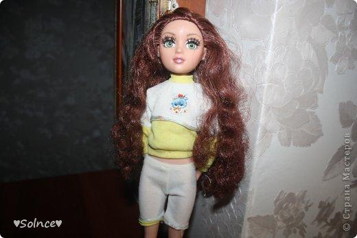 """Всем привет! Я решила создать свой первый конкурс! Он называется """"Моя любимая кукла"""". Для участия нужно взять свою любимую куклу рассказать о ней что она любит делать какой цвет ей нравится и тому подобное.Ну и сшить пару костюмов минимум 2. Работы принимаются до 30 января. Голосование 31 января. 1-ое место - 8 обработанных фото и личное поздравление моих кукляшек. 2-ое место - 6 обработанных  фото. 3-ее место - 5 обработанных фото. фото 4"""