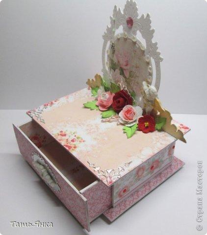 Очень мне понравилось делать шкатулочки. Основа шкатулки переплетный картон, основная  вырубка многослойная, чтобы чувствовалась толщина. фото 8