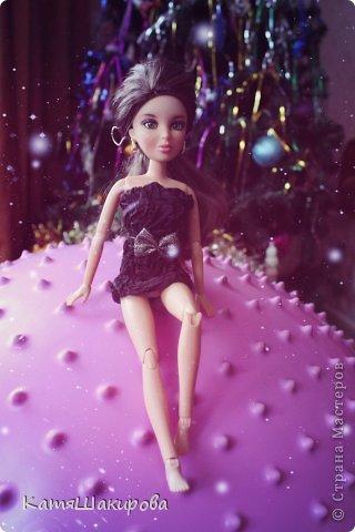 Привет! Меня зовут Катя , а это моя кукла Марта. (платье я сшила сама) фото 1