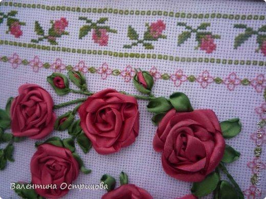 Картина панно рисунок Валентинов день Вышивка        Плетистая роза  Канва Ленты Нитки фото 4