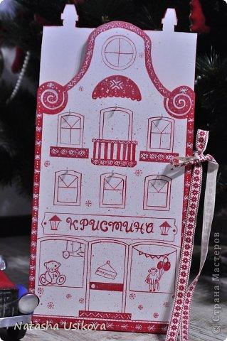 Добрый всем день!!!! И хоть Новогодние и Рождественские праздники давно позади, я хочу показать Вам то, что я сделала в конце прошлого года для деток своей подруги. Это рождественский календарь из дерева-2 маленьких магазинчика или 2 рождественские лавки фото 22