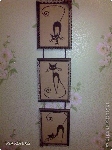 Использовались рамочки для фото, рисунки кошек, ткань красила кофе, рисунки из молотого кофе. Спасибо за внимание) фото 2
