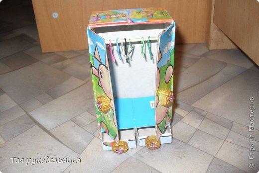 Всем Доброго времени суток!   Хочу показать свои работы для кукол. Готовлю подарок для крестницы на день рождение : домик с мебелью. Если будут вопросы по МК, обязательно расскажу. Приятного просмотра.  Диванчик для дочки-куклы фото 15