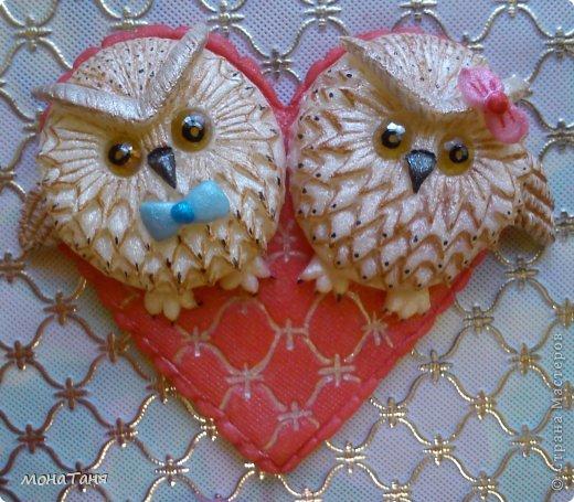 """Здравствуйте! Вот пришла мне в голову такая идейка, и я слепила валентинку """"влюбленные совы"""" из холодного фарфора. МК по лепке такой совы здесь https://stranamasterov.ru/node/671191 фото 2"""