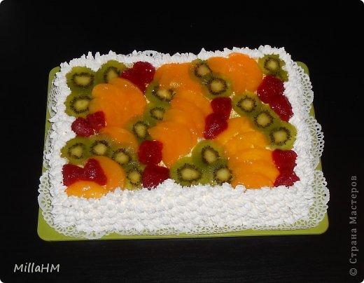 """На день рождения любимому приготовила торт """"Тропиканка"""", увидев его рецепт на просторах интернета. Нам очень понравилось. Вот и появилась альтернатива бисквитному тортику, такая же легкая и воздушная! фото 1"""