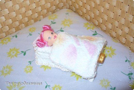 Всем Доброго времени суток!   Хочу показать свои работы для кукол. Готовлю подарок для крестницы на день рождение : домик с мебелью. Если будут вопросы по МК, обязательно расскажу. Приятного просмотра.  Диванчик для дочки-куклы фото 4