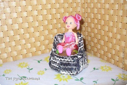 Всем Доброго времени суток!   Хочу показать свои работы для кукол. Готовлю подарок для крестницы на день рождение : домик с мебелью. Если будут вопросы по МК, обязательно расскажу. Приятного просмотра.  Диванчик для дочки-куклы фото 6
