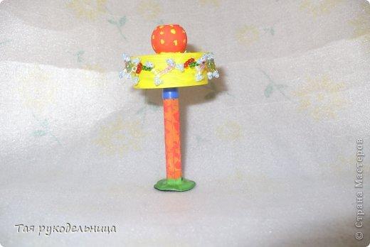 Всем Доброго времени суток!   Хочу показать свои работы для кукол. Готовлю подарок для крестницы на день рождение : домик с мебелью. Если будут вопросы по МК, обязательно расскажу. Приятного просмотра.  Диванчик для дочки-куклы фото 8